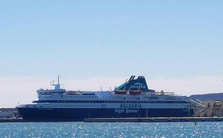Balearia Nissos Chios ferry