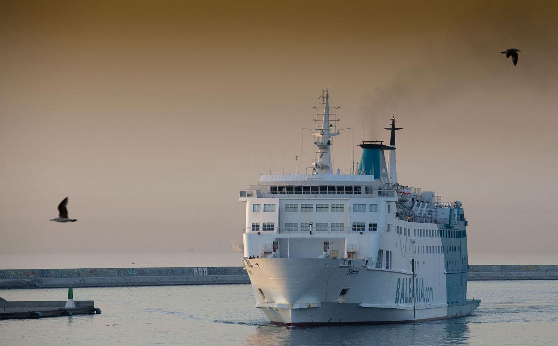 Balearia Poeta López Anglada ferry