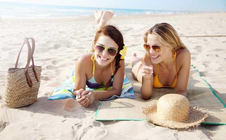 Ferry más hotel Formentera en Julio