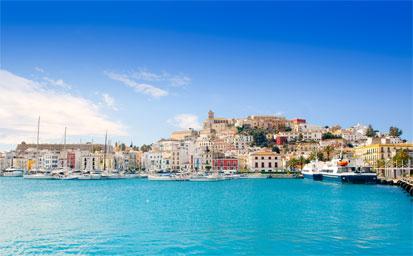 Ferry más hotel Ibiza en Agosto