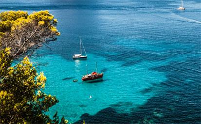 Ferry más hotel Ibiza en Septiembre