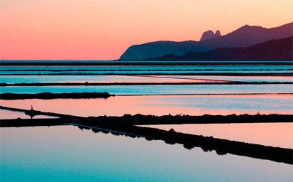 Ferry más hotel Ibiza en Abril