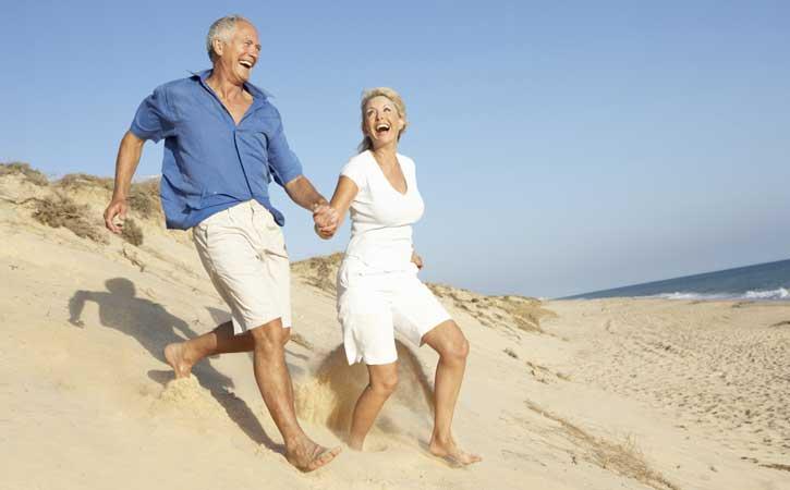 Ferry más hotel Ibiza para mayores de 55 años en Mayo y Octubre